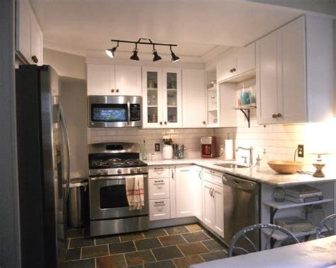 8x10 kitchen layout small kitchen flooring houzz 1129