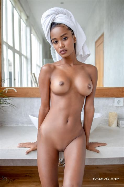 Putri Cinta Fappening Nude Indonesian Model Photos Video The Fappening