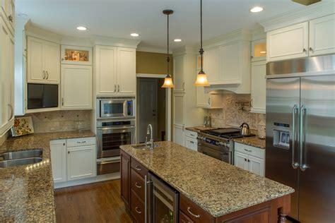 showplace kitchen  painted soft cream standard kitchen