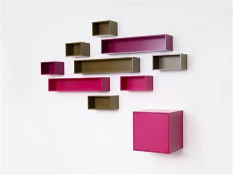 chaise d ecole etagère murale suspendue pour ranger les cd cubit