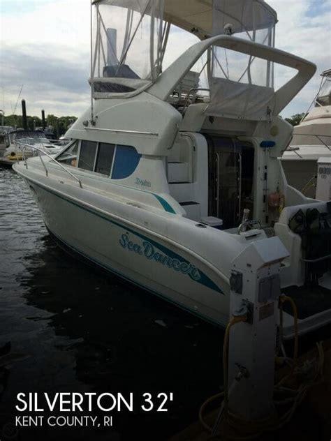 Outboard Motors For Sale Rhode Island by For Sale Used 1994 Silverton 312 Sedan Cruiser In Warwick