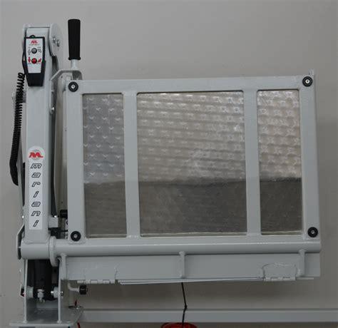pedane per disabili per auto pedana sollevatore interno veicolo elettroidraulico