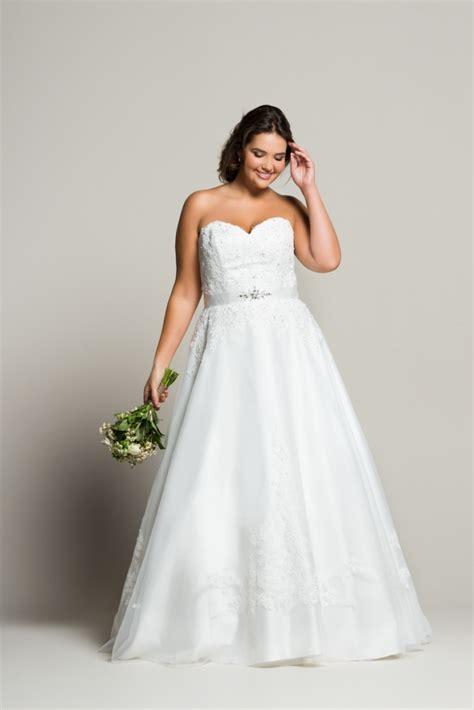 tenue mariage femme ronde navabi dit oui des robes de mariée pour les femmes rondes