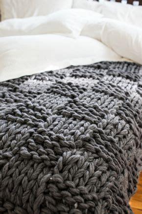 decke stricken fortgeschrittene grobmaschig muster quadrate grau stricken decke stricken