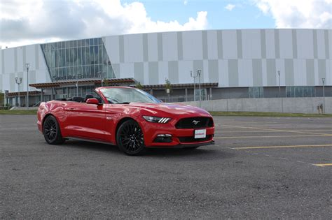 mustang gt convertible 2017 ford mustang gt convertible review autoguide