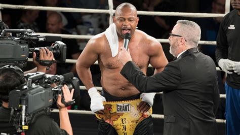 Viddal riley is set to have his 5th fight on the mike tyson vs roy jones jr card on november 28th 2020 in california featuring jake paul vs nate robinson. Mike Tyson vs Roy Jones Live Stream Reddit | Tonight Boxing Full Fight, Main Card Start Time ...