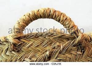 Einen Korb Bekommen Englisch : rattan abstract textur der einen weidenkorb stockfoto bild 17064084 alamy ~ Orissabook.com Haus und Dekorationen