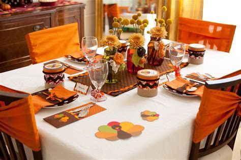 Party Reveal: Kid Friendly Thanksgiving Table