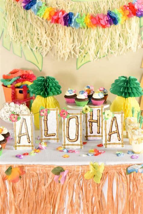 hawaiian luau party ideas   easy  fun fun squared
