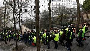 Gilets Jaunes Chanson : video gilets jaunes des manifestants entonnent la quenelle la chanson du pol miste ~ Medecine-chirurgie-esthetiques.com Avis de Voitures