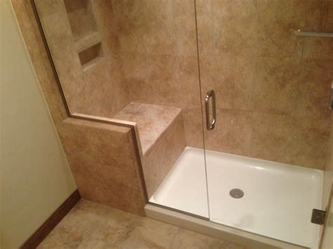 Bathroom Shower Enclosures With Seat by Shower Stalls With Seats Built In Bathroom Design