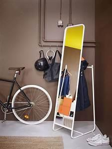Ikea Miroir Sur Pied : gain de place des meubles et accessoires d co pour optimiser l 39 entr e c t maison ~ Dode.kayakingforconservation.com Idées de Décoration