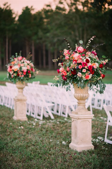 wedding flower arrangements youll