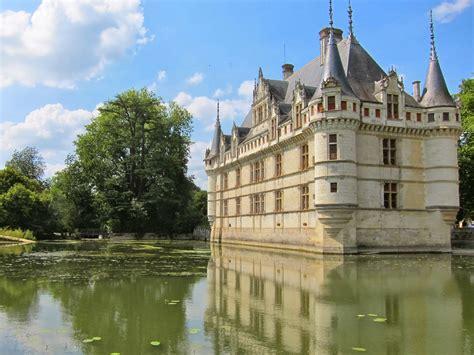 eiffel tells reflections chateau d azay le rideau