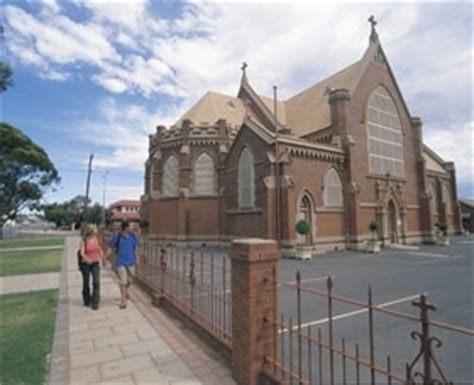 st marys church kalgoorlie front view ozroamer