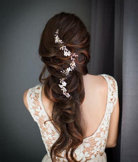 accessoire cheveux mariage  modeles de bijoux pour