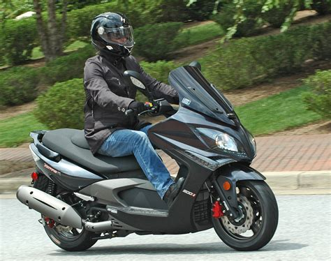 Kymco Downtown 250i Hd Photo by 2010 Kymco Xciting 500i Pics Specs And Information