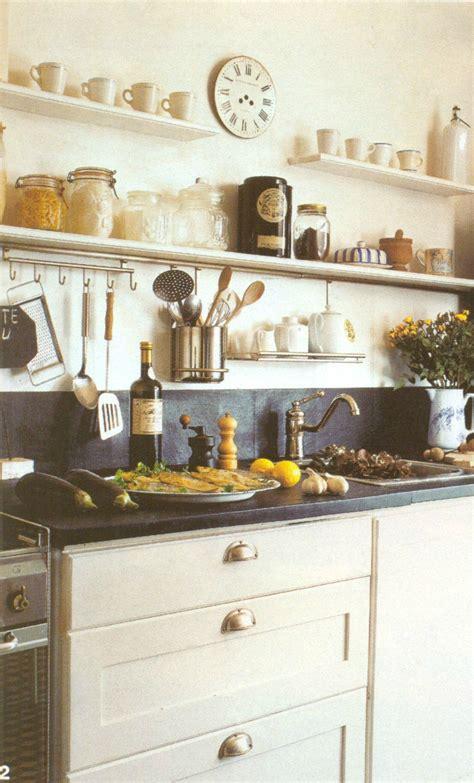 etageres cuisine étagères cuisine meuble cuisine