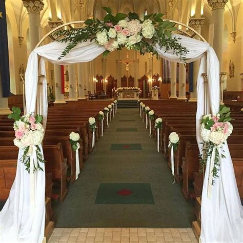 Romantic Entrance For A Summer Wedding By Unico Decor