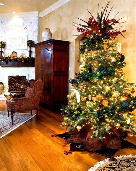 30 Best Christmas Living Room Decorating Ideas