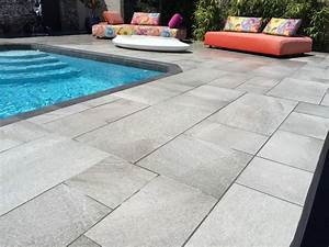pose d39un carreau gres cerame anti derapant gris clair With photo carrelage terrasse exterieur 3 vente et pose de margelles de piscine en pierre sur
