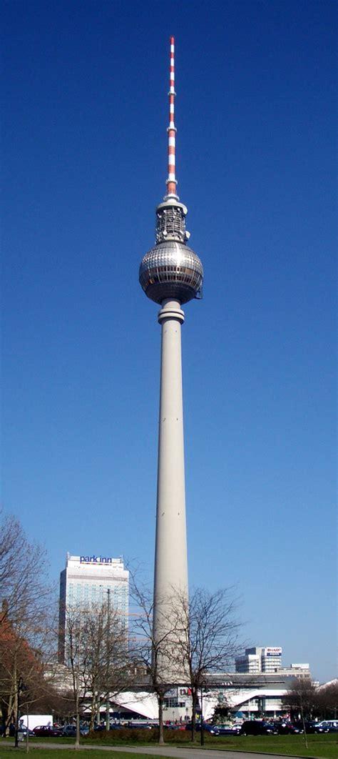 Fernsehturm Berlin by Fernsehturm Berlin