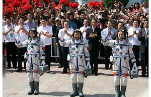 Photos: China's first woman in space
