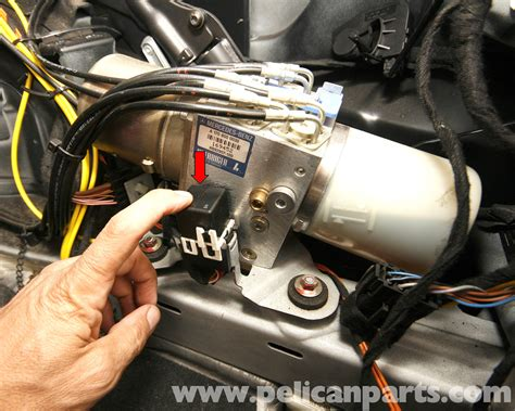 mercedes benz slk  vario top hydraulic pump service