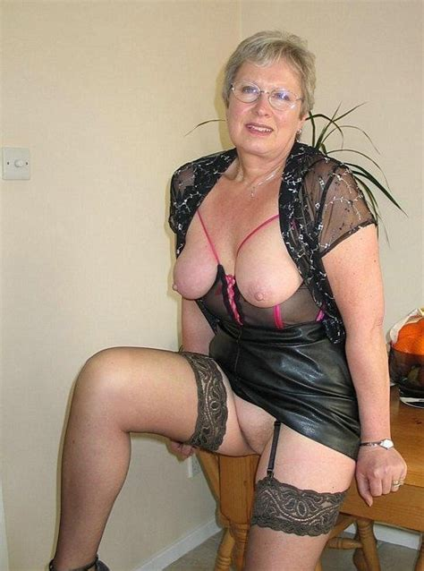 Hottest Canadian Granny Nude Full Size Picture 2