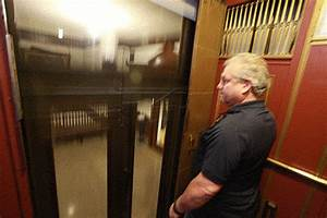 Chicago U2019s Last Manual Elevator