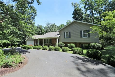Mobile Garage Winchester by 3 Bed 3 Bath Rancher On 11 6 177 Acres With Basement 2