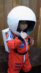 DIY Astronaut Helmet+Backpack somethingmadedifferent.com ...