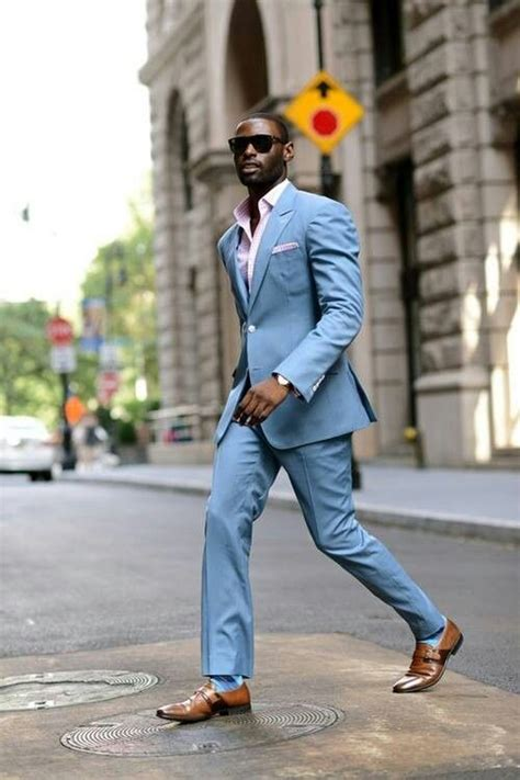 How Men Can Wear Colored Suit Look Stylish Mikado
