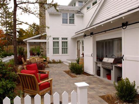 kitchen courtyard designs courtyards for entertaining hgtv 1029