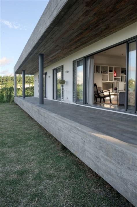 rectangular concrete house  rethink