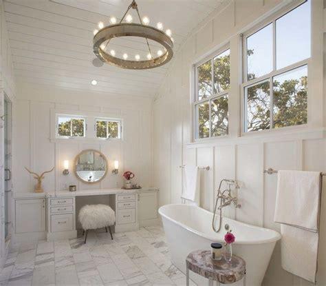 creative ways  decorate  farmhouse bathroom decor   world