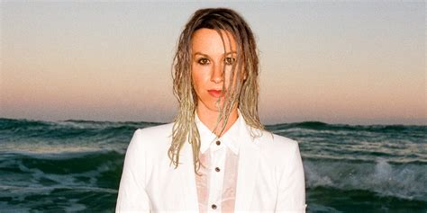 Alanis Morissette on Revisiting 'Jagged Little Pill' and ...