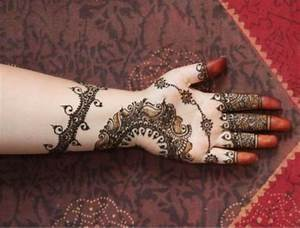 Beautiful Mehendi Design Front Hand | makedes.com
