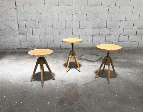 tabouret quadripode 224 vis vintage en bois 233 e 60