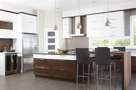 cuisine grise laqu馥 cuisine contemporaine grise maison design bahbe com