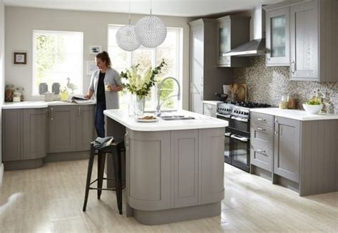 cuisine blanche mur taupe couleur mur avec cuisine blanche kirafes