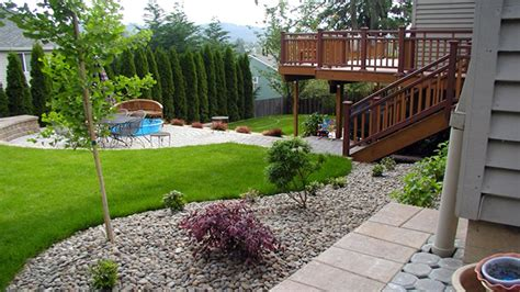 Simple Backyard Landscape Designs by Simple Small Backyard Landscaping Ideas