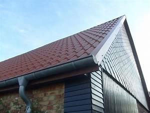 Dach Für Gartenhaus : gartenhaus dach verschiedene dachformen materialien ~ Michelbontemps.com Haus und Dekorationen