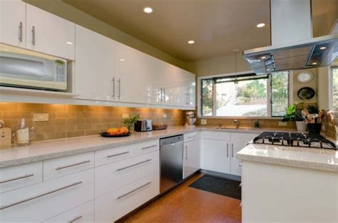 mid century modern kitchen backsplash 21 charming mid century modern kitchen design ideas diy 9162
