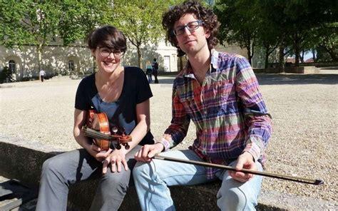 chloé etudiant femme la rochelle saintes la musique joue sa partition universitaire sud