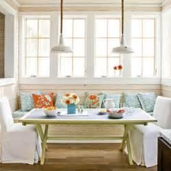 7 quick breakfast nook decorating tips