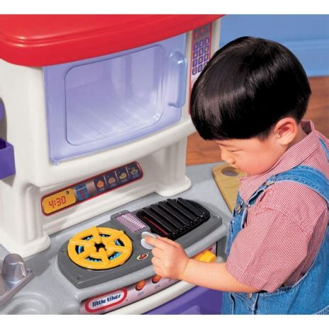 cookin kitchen with lights and sounds cookin sounds gourmet kitchen best educational infant 9458