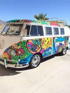 Combi Vw Hippie : my boyfriend 39 s mom has the coolest vw bus probably ever pinterest vw bus vw and volkswagen ~ Medecine-chirurgie-esthetiques.com Avis de Voitures