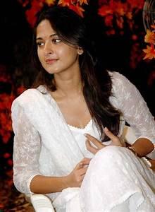 17 Best images about anushka shetty on Pinterest ...