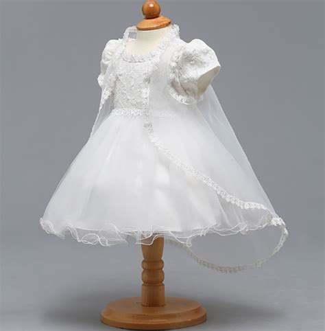 Bērnu kristību kleita. Balta kleitiņa rotāta ar pērlītēm ...